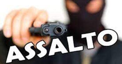 Homens armados assaltam moradores de uma casa na Sapucaia em Elísio Medrado